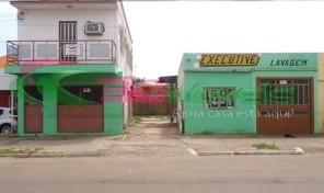 TERRENO COM CASA E SALÃO. BAIRRO SANTANA